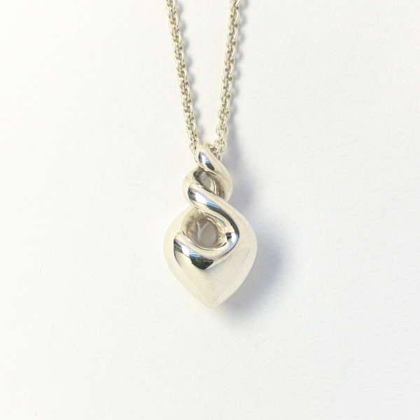 Pikorua-Halsschmuck (der doppelte Twist) aus Silber